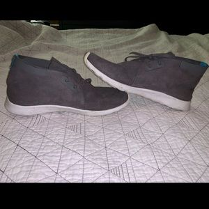 Native tennis shoes, grey, size 11